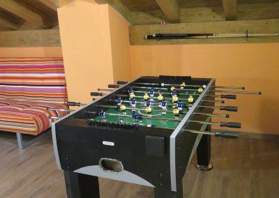 Futbolín en sala de juegos