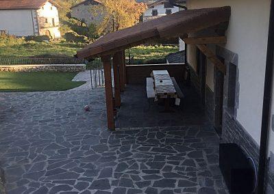 Porche y terraza exterior